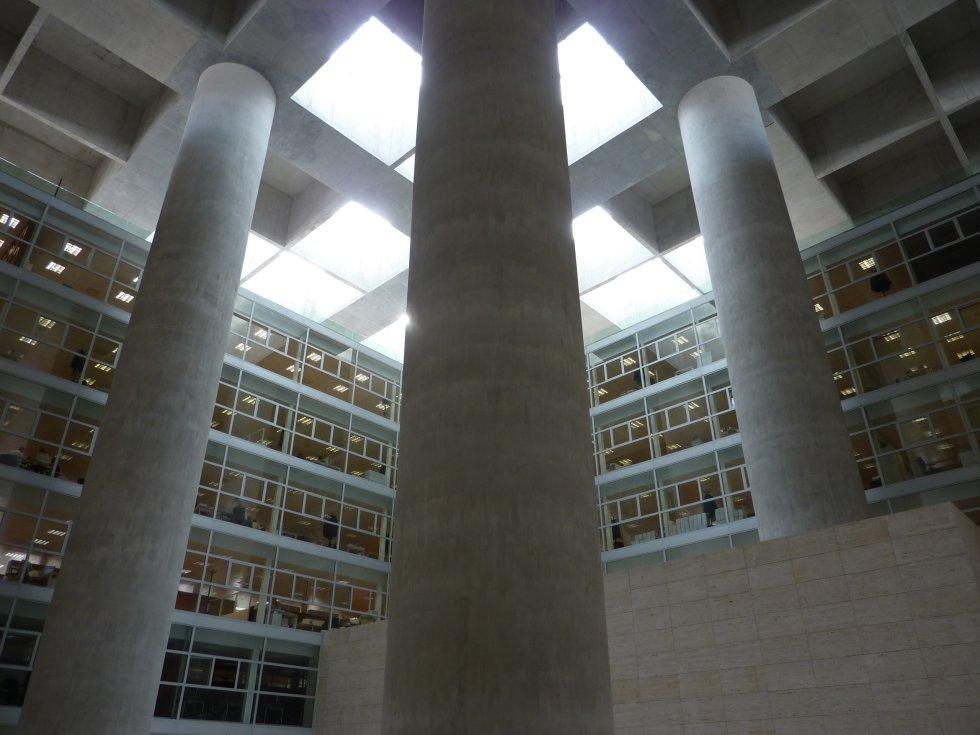 Columns and granada on pinterest - Caja de arquitectos granada ...