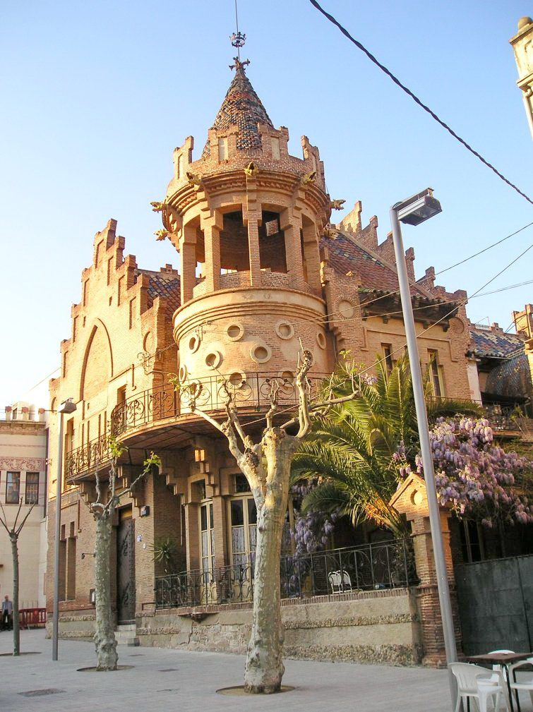 Casa roura 1892 lluis dom nec i muntaner for Piscina canet de mar