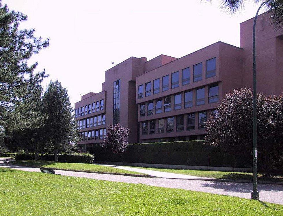 Escuela de Arquitectura (1980) Antonio Fernández Alba