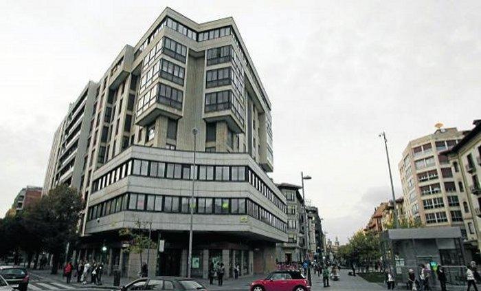 Navarra edificios representativos - Edificio singular pamplona ...