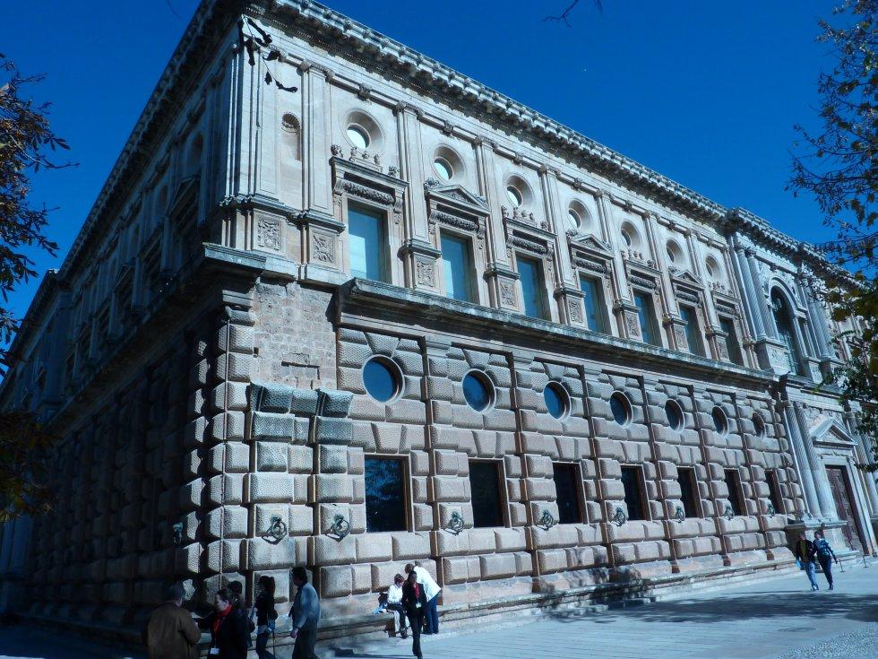 Palacio de carlos v 1528 pedro machuca - Arquitectos de granada ...